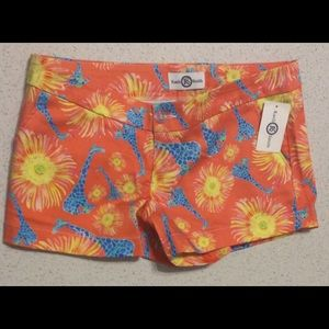 Kaeli Smith Ladies Shorts Giraffe Floral Sz 10